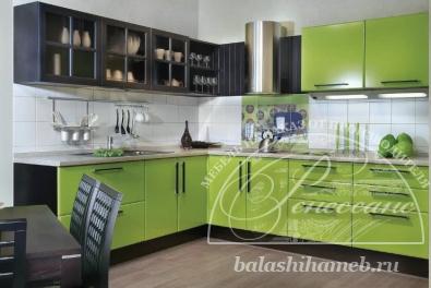 Чёрно-зеленые ирисы